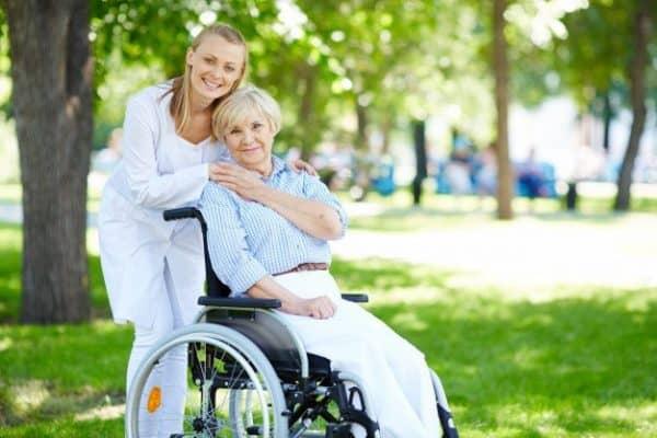 Уход за инвалидами в пансионате